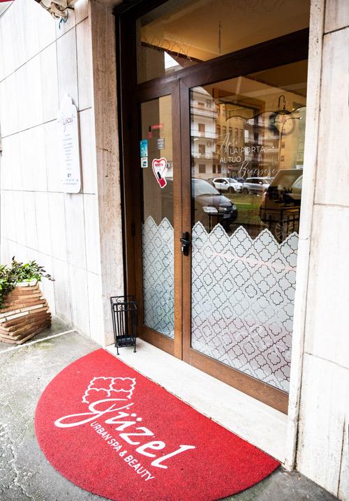 tappeti e zerbini personalizzati con logo per negozi, attività commerciali. Cassino Formia.
