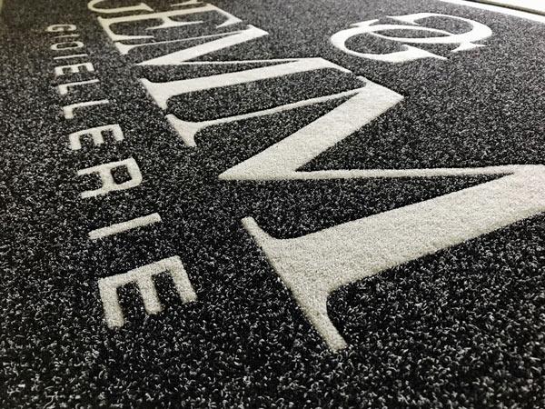zerbini-tappeti-cassino-formia-insegne-luminose-personalizzate-targhe-cartelli-attività-studio-allestimento-ristoranti-grafica